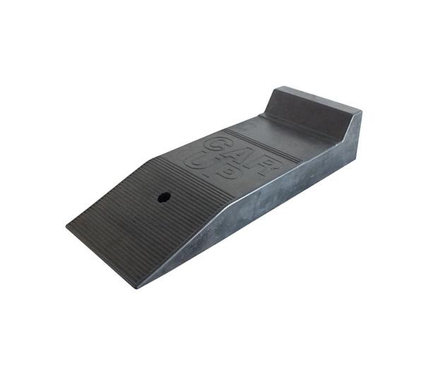 auffahrrampe gummiplattform f r tiefergelegte fahrzeuge. Black Bedroom Furniture Sets. Home Design Ideas